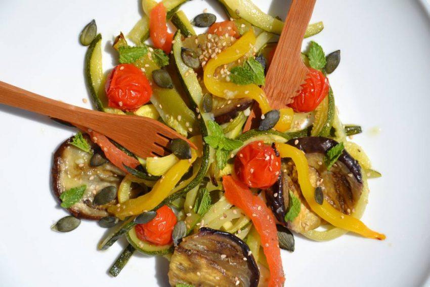 Salade de légumes rôtis à la menthe