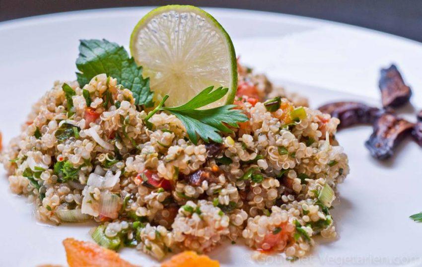 Taboulé de quinoa aux figues et abricots secs