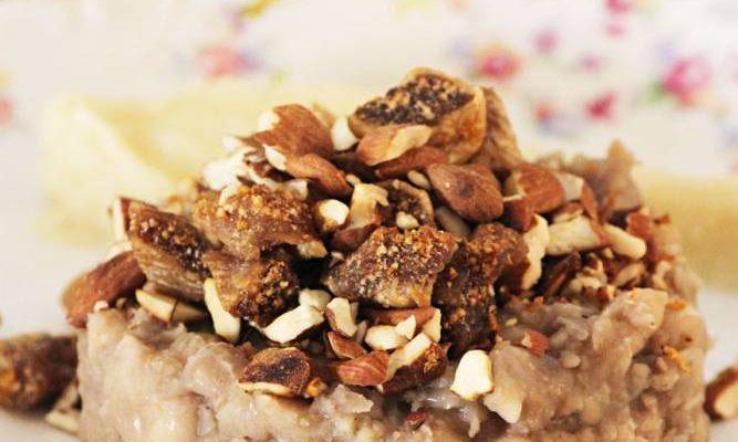 Haricots blancs fumés, fruits secs et mousseline de céleri