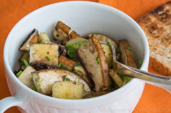 Salade de portobellos, pomme et ciboulette