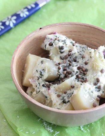 Salade de pommes de terre à la noix de coco, basilic et chanvre