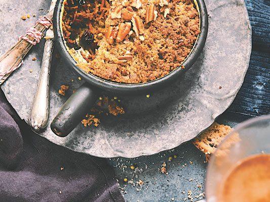 Crumble salé aux légumes d'hiver et noix de pécan