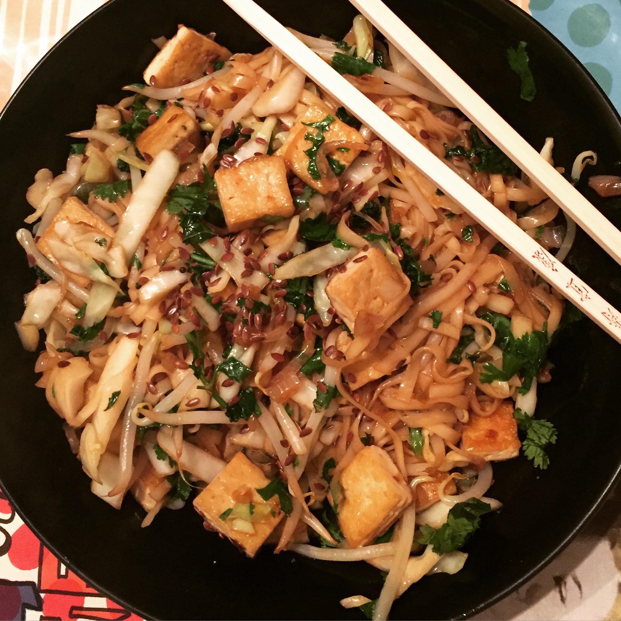Pad thai au tofu et l gumes croquants 1 2 3 veggie - Comment cuisiner les pousses de soja ...
