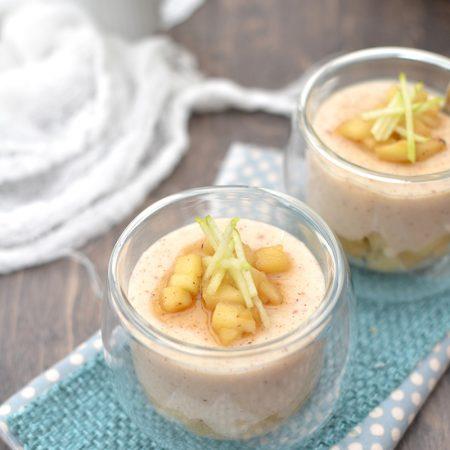 Crèmes à la vanille et pommes caramélisées