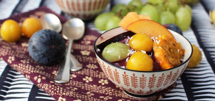Açai bowl aux fruits de la rentrée