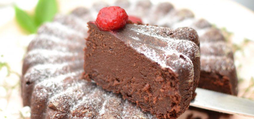 Gâteau fondant chocolat-dattes 100% végane
