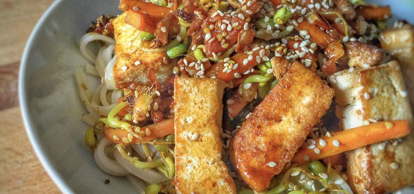Tagliatelles de riz saut es aux l gumes et tofu 1 2 3 veggie - Comment cuisiner les germes de soja frais ...