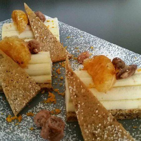 Bûche à la crème de châtaignes d'Ardèche pralin de noisettes diplomate de clémentines