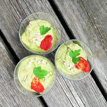 Crème végétale crue de courgettes aux épices