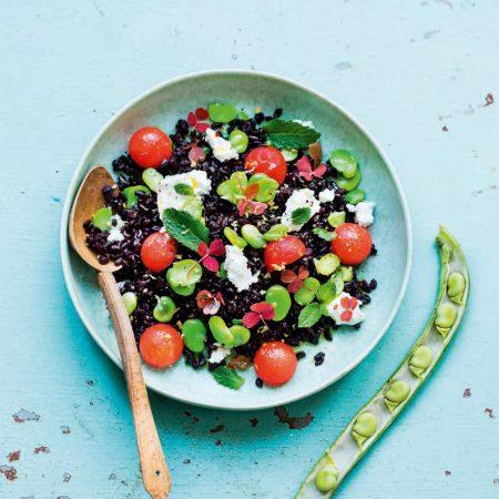 Salade de riz noir, fèves, pastèque
