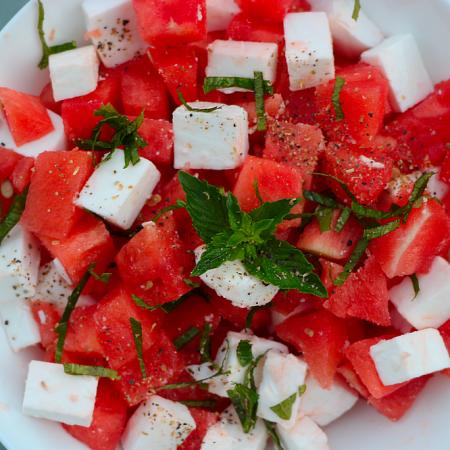 Salade estivale pastèque et féta végane